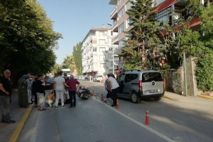Ticari araçla çarpışan motosiklet sürücüsü yaralandı