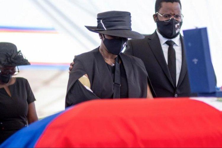 First Lady suikasttan ölü taklidi yaparak kurtulmuş