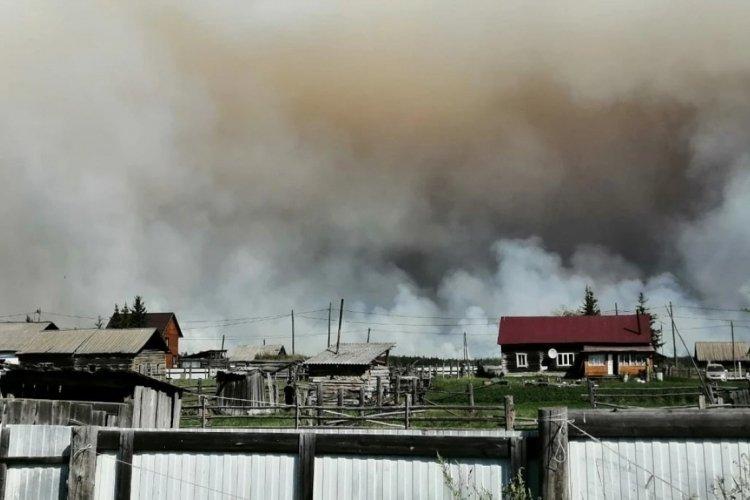 Rusya'da orman yangını yerleşim yerine sıçradı