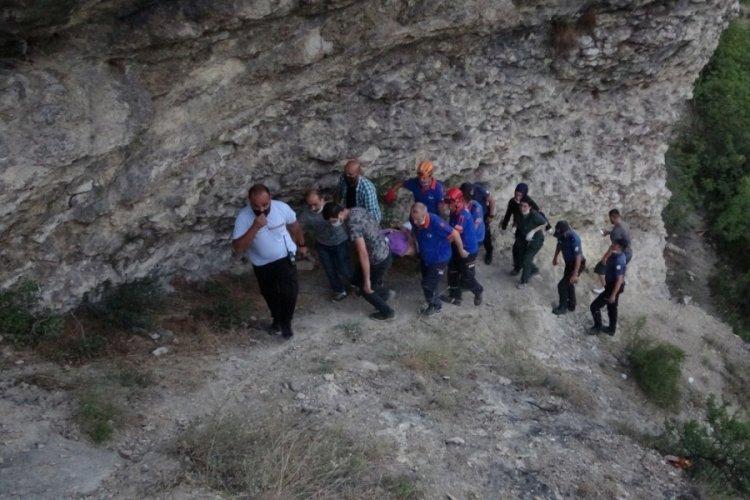 Uçurumdan kanyona düşen genç yaralandı