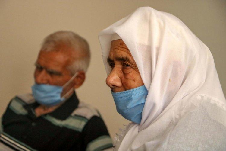 Antalya'da evi yanan Ayşe Nine, kayıp takma dişlerinin bulunmasını istedi!
