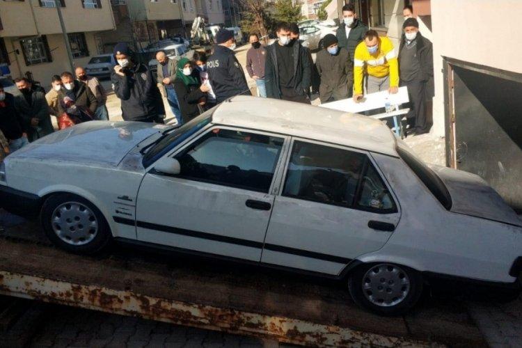 Ankara'da otomobilde ölü bulunan 3 genç, karbonmonoksitten zehirlenmiş