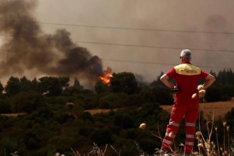 Yunanistan'da tahliyeler başladı, halka 'Evden çıkmayın' çağrısı yapıldı