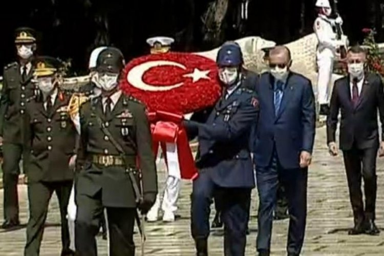 Cumhurbaşkanı Erdoğan'dan Anıtkabir'e ziyaret