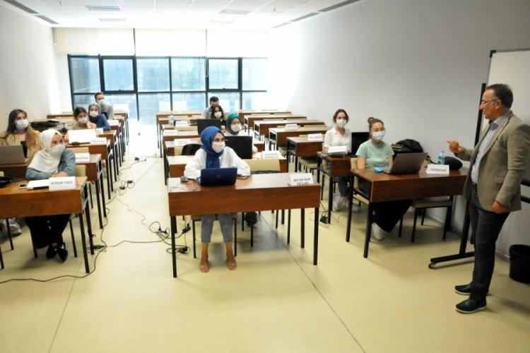 Bursa'da BSMMMO ve BUÜ işbirliğinde muhasebe yardımcı personeli yetiştirme kursu başladı
