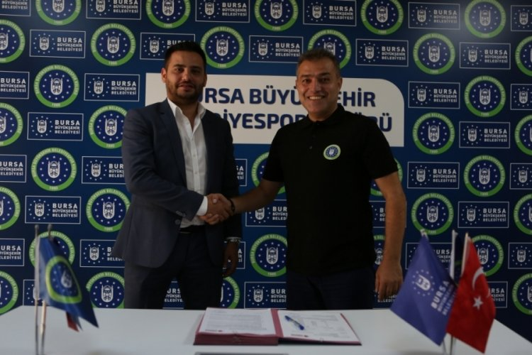 Bursa Büyükşehir Belediyespor'da Başantrenör Zoroğlu imzayı attı