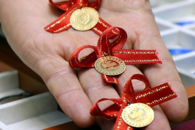 Düğün takılarında yeni tercih 'çeyrek' görünümlü yarım gram altın!