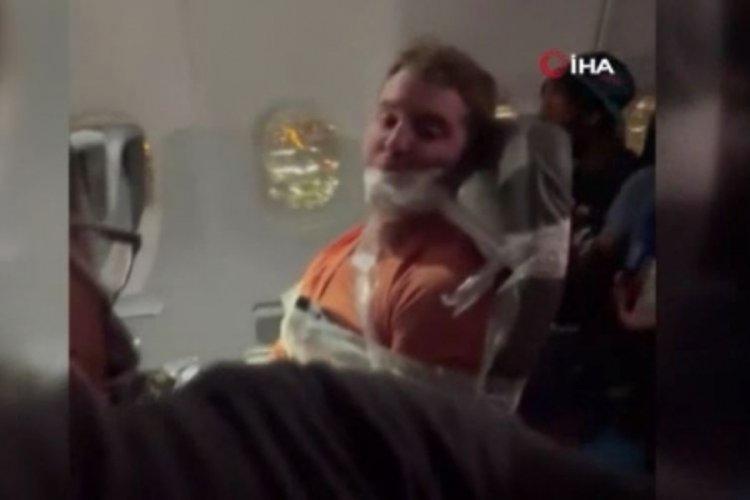 ABD'de hosteslere tacize eden adam ilginç yöntemle durduruldu