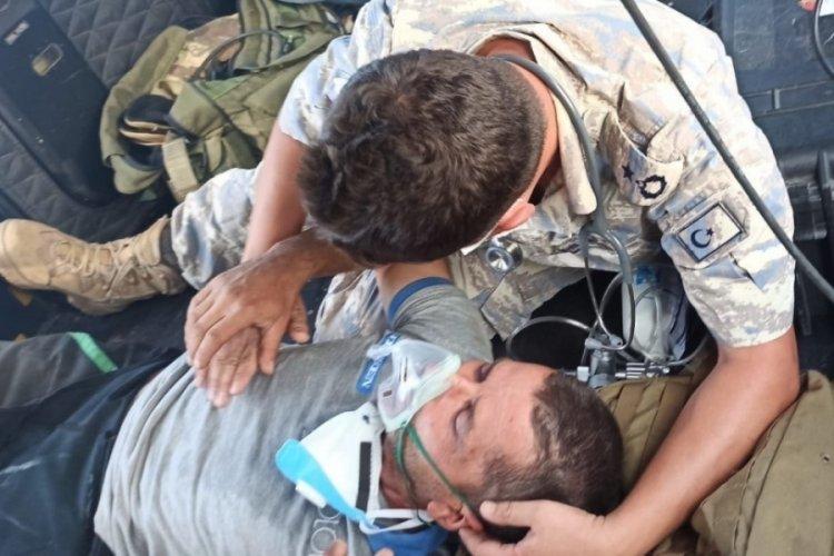 Yangında mahsur kalan kişiyi, Hava Kuvvetleri ekibi kurtardı