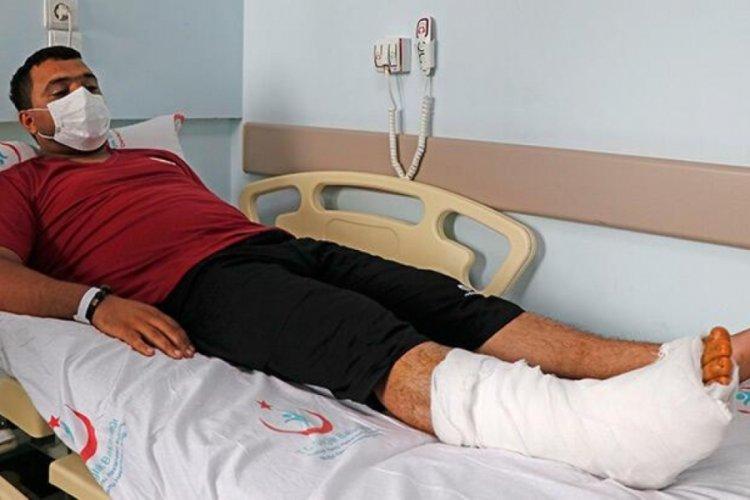 Muğla'daki orman yangınında ayak bileği kırılan Azerbaycanlı itfaiyeci ameliyat edildi
