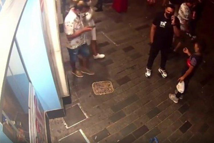 İstanbul Taksim Meydanı'nda çocukları dilendiren şüphelilere gözaltı!