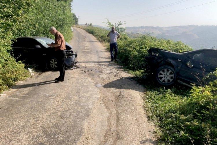 Bursa'da virajda feci kaza! 4 yaralı