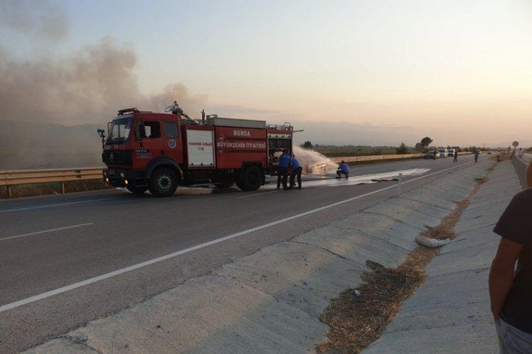 Bursa'da tamirden çıkan otomobil alev alev yandı