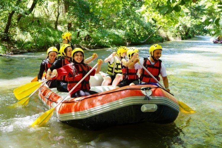 Bursa'da Kestel Belediyesi, gençleri rafting ile buluşturdu!