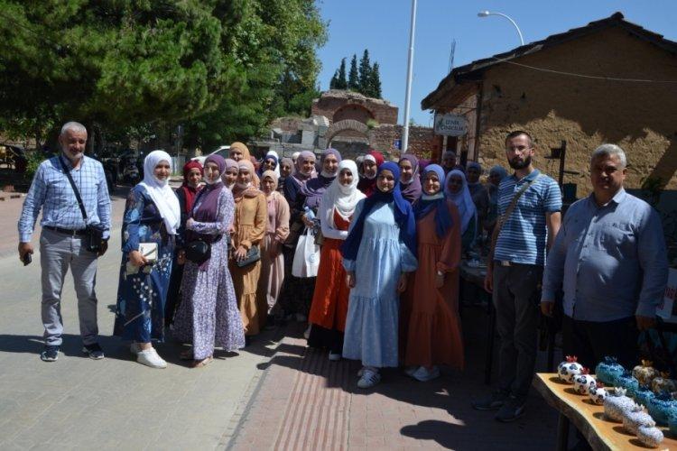 Boşnak öğrenciler Bursa İznik'i gezdi