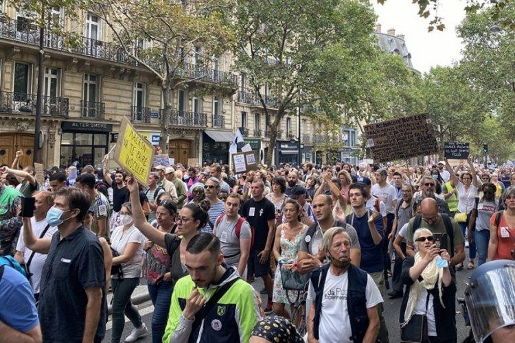 Fransa, aşı karşıtı protestoların 6'ıncı haftasında!