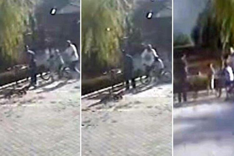 Kahramanmaraş'ta çocukları salçaya taş attıkları iddiasıyla dövdü!