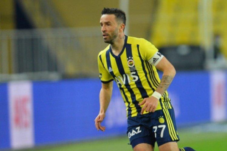 Ünlü futbolcu Gökhan Gönül'e büyük şok