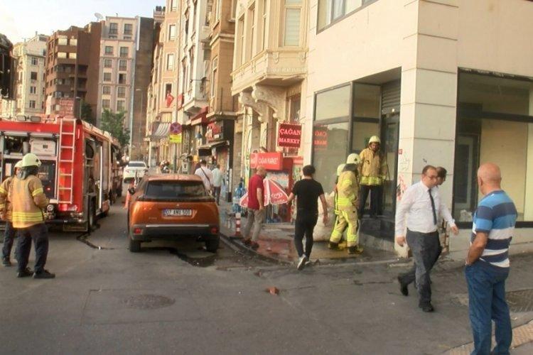 İstanbul Beyoğlu'nda 7 katlı otelde korkutan yangın