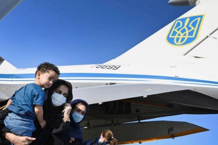 Kabil'de uçak kaçırıldı!