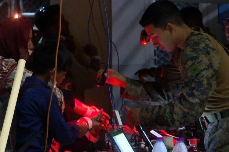 ABD askerlerinden Kabil'de barkodlu tahliye