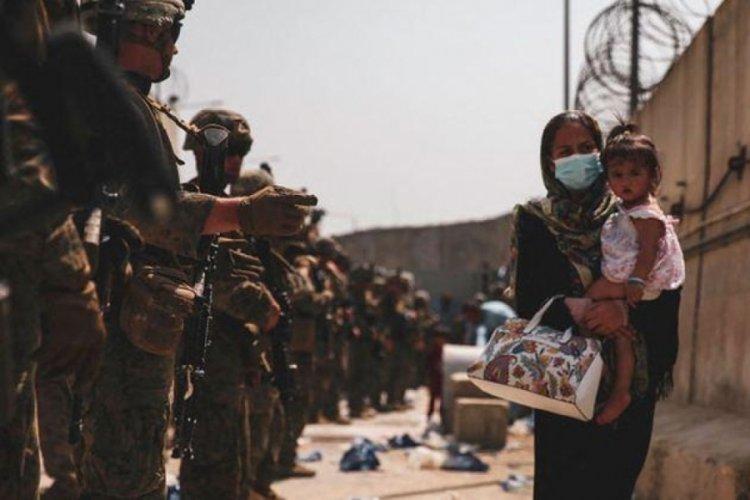 Kabil'de havalimanı girişinde 4 Afgan askeri hayatını kaybetti