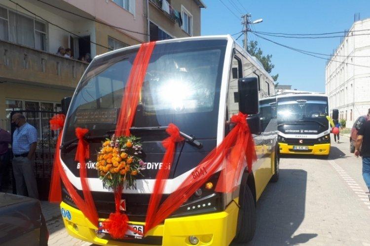 Bursa'da halk otobüsü gelin arabası oldu