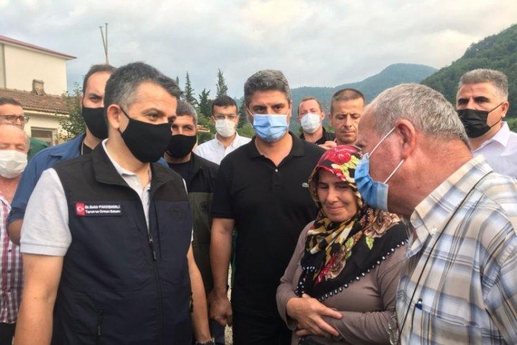 Bakan Pakdemirli, Kastamonu'da selden etkilenen köyü ziyaret etti