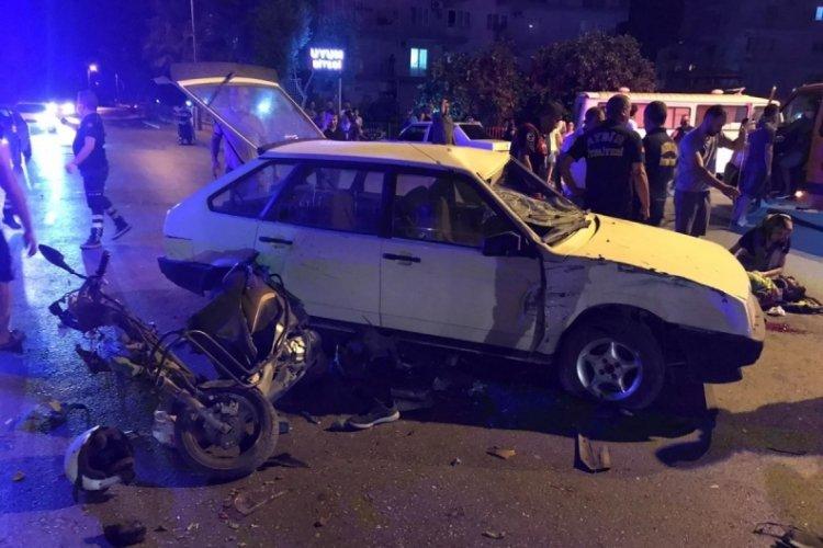Aydın'da trafik kazasında baba ve oğlu yaralandı