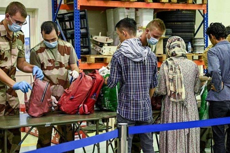 Fransa, Afganistan'dan tahliye operasyonlarını sonladırabilir