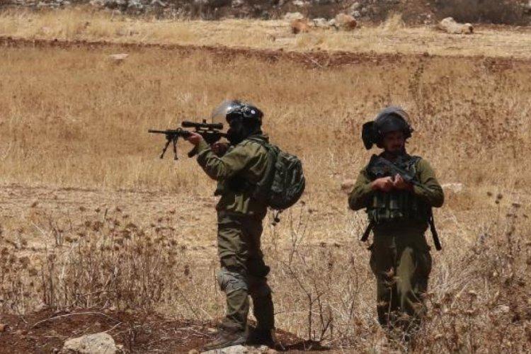 Gazze'de İsrail askerlerinin yaraladığı Filistinli yaşamını yitirdi