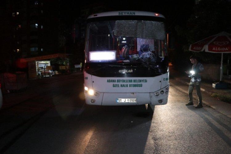 Adana'da otobüsün çarptığı yaya kurtarılamadı