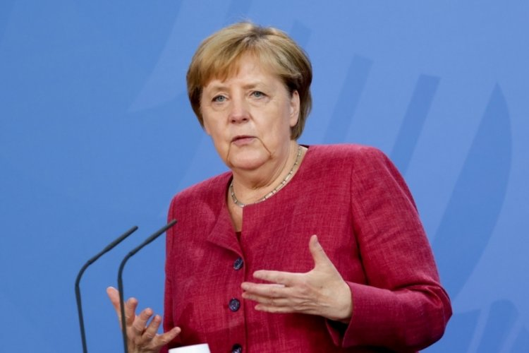 Merkel'den açıklama: Afganistan'da Taliban ile diyalog devam etmeli!