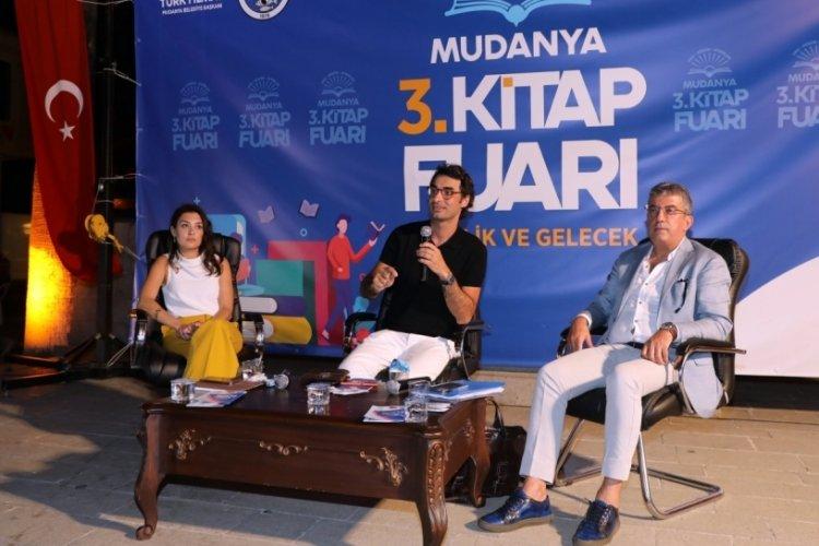 """Bursa Mudanya 3. Kitap Fuarı'nda """"Cumhuriyet Nasıl Çökertildi?"""" söyleşisi"""