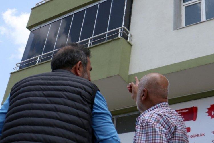 Erzurum'da çilingiri beklemedi, 3'üncü kattan düşüp öldü