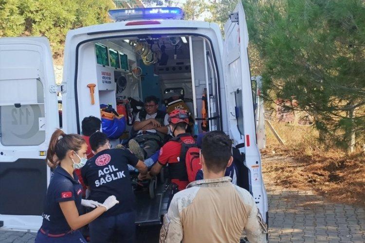 Kazdağları'ndaki yangında müdahale sırasında kayalıklardan düşen orman işletme şefi yaralandı