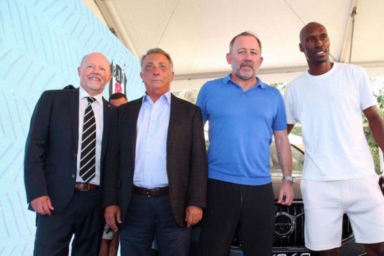 Beşiktaş ve Volvo arasında sponsorluk anlaşması imzalandı