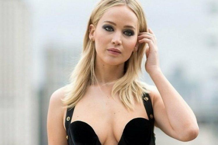 Ünlü oyuncu Lawrence, cinsel ilişki yaşamaktan korktuğunu söyledi