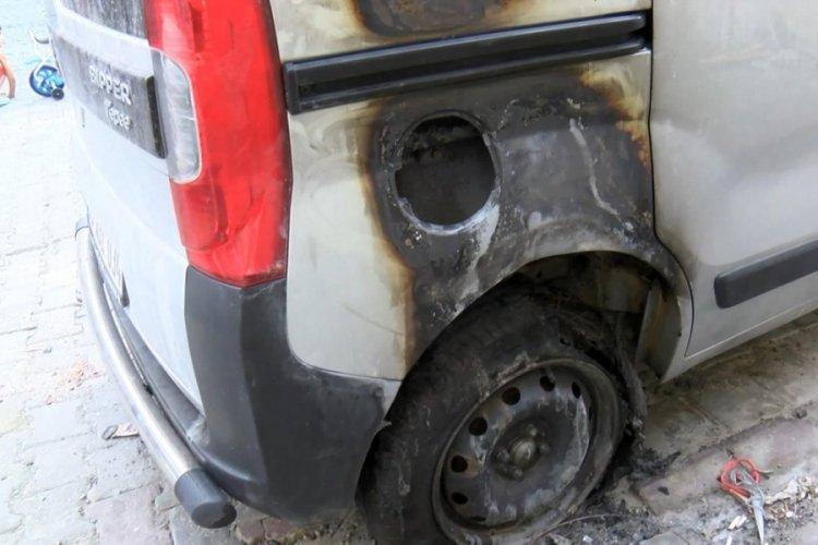 Sevdiği kız başkasıyla evlendirilecek diye babasının arabasını yaktı