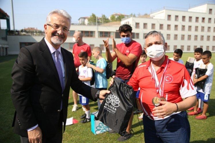 Bursa Nilüferli şampiyonlara Başkan Erdem'den ödül!