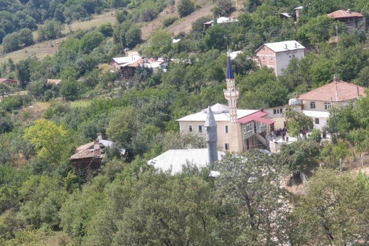 Sinop'ta imam gitti, cami kapandı ama heyelan tehlikesindeki evler boşalmadı