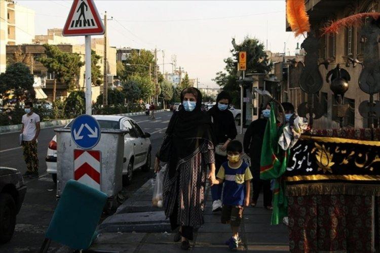 İran'da son 24 saatte 694 kişi Kovid-19'dan hayatını kaybetti