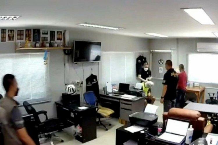 Tayland'da polis merkezinde korkunç cinayet! Kafasına poşet geçirip...