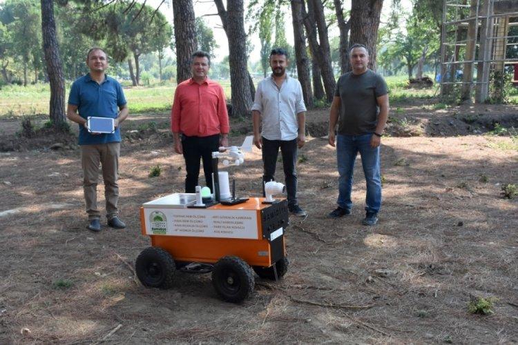 """Bursa'daki tarım ve otomotiv liseleri """"akıllı tarım robotu"""" geliştirdi"""