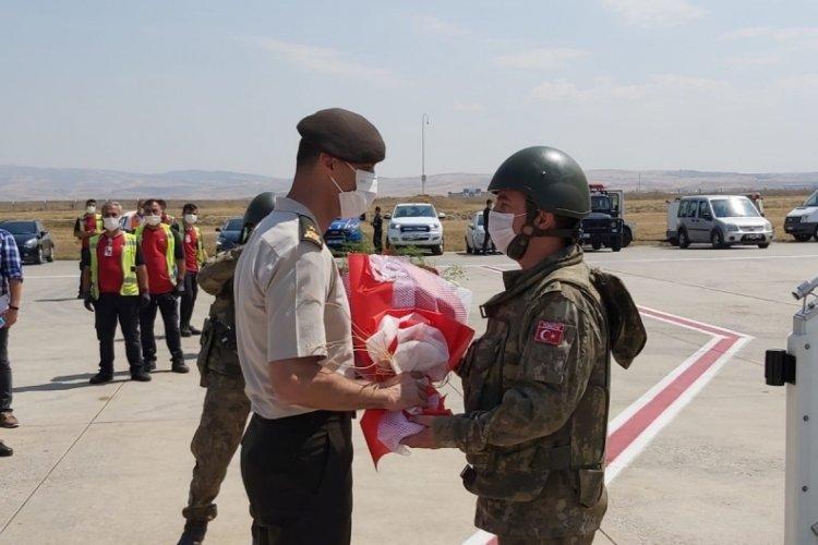 Türk askerleri Afganistan'dan yurda döndü
