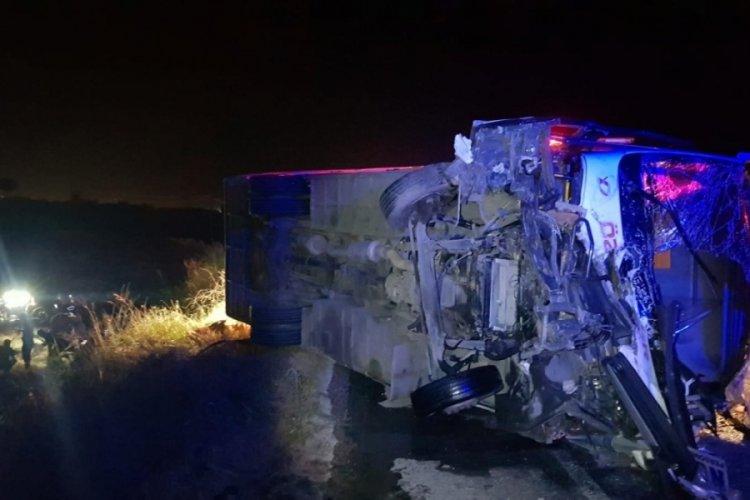 Manisa'da feci kaza: Ölü ve yaralılar var...