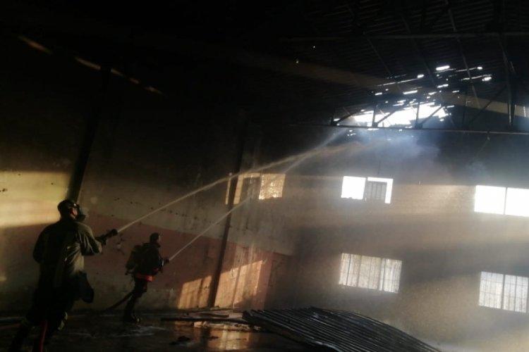 Atıl durumdaki fabrikada yangın çıktı