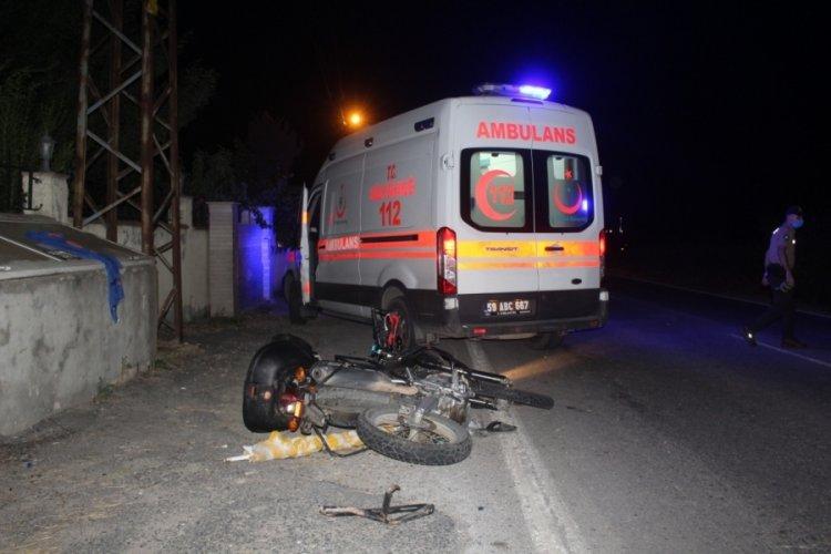 Motosikletten düşerek savrulan sürücü hayatını kaybetti