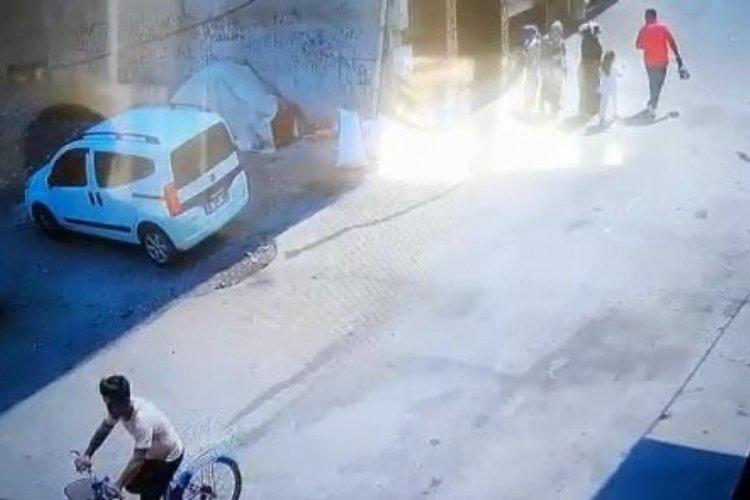 Bursa'da bisikletli kapkaççı dövmesinden yakalandı