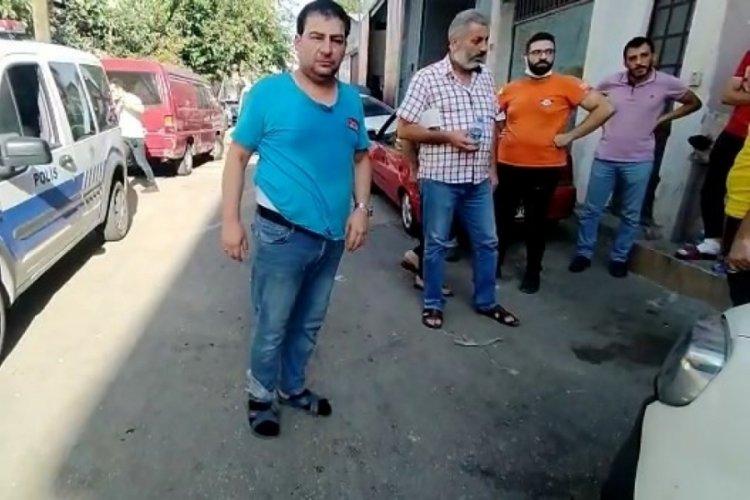 Bursa'da iş yeri sahibini el ve ayaklarını bağlayarak gasp ettiler